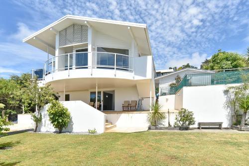 Panorama View Christchurch Holiday Homes