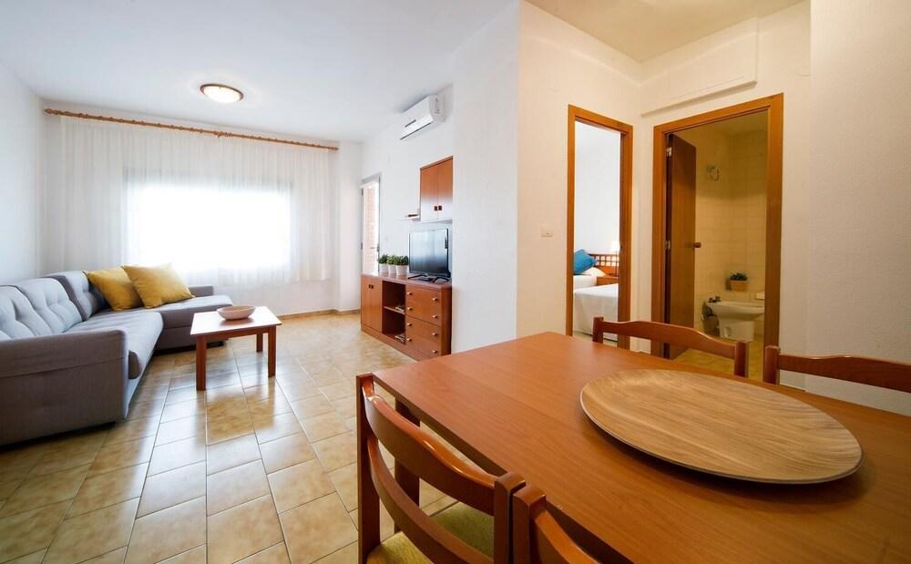 Gallery image of Apartamentos Bali Orange Costa