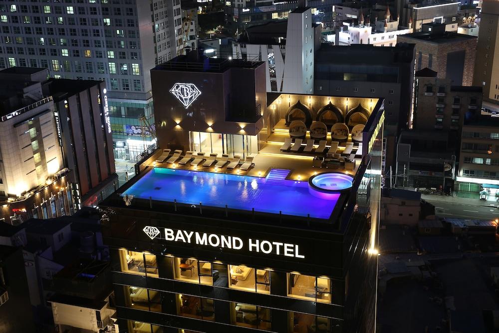 Baymond Hotel