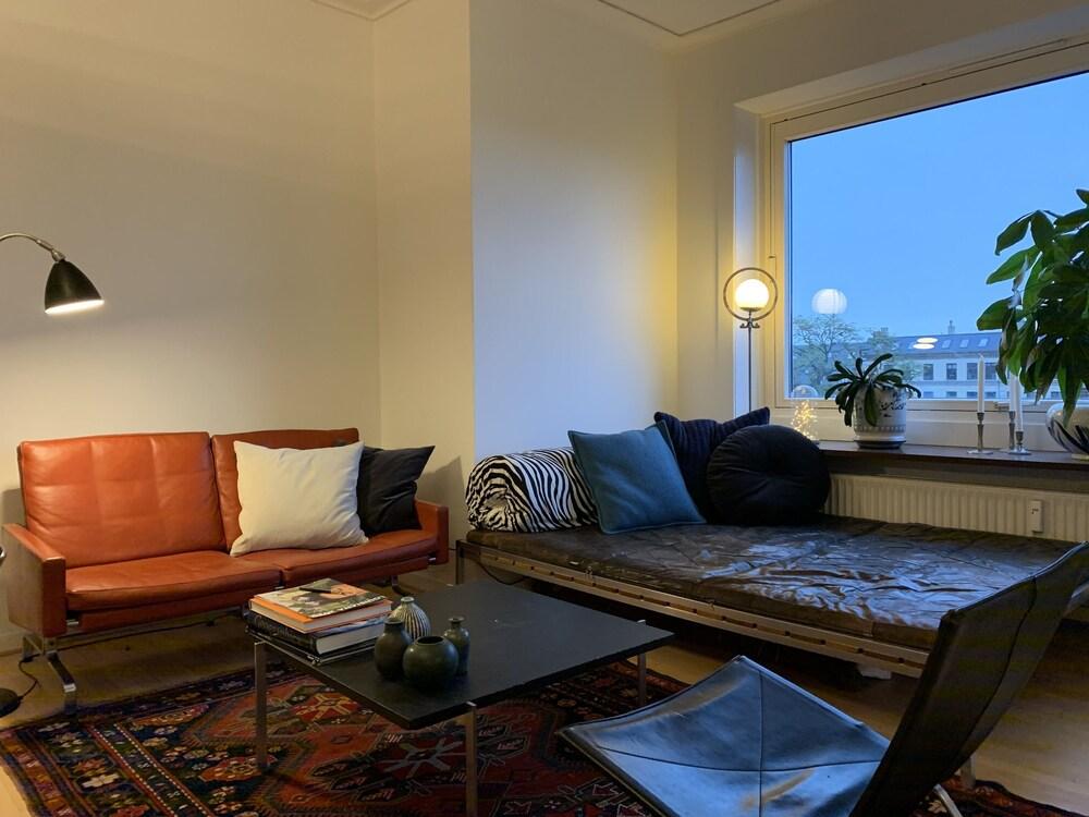 2 bedroom apt Axel Møllers Have 1422 1