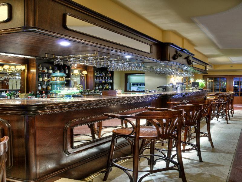 Victoria (ویكتوریا) Bar