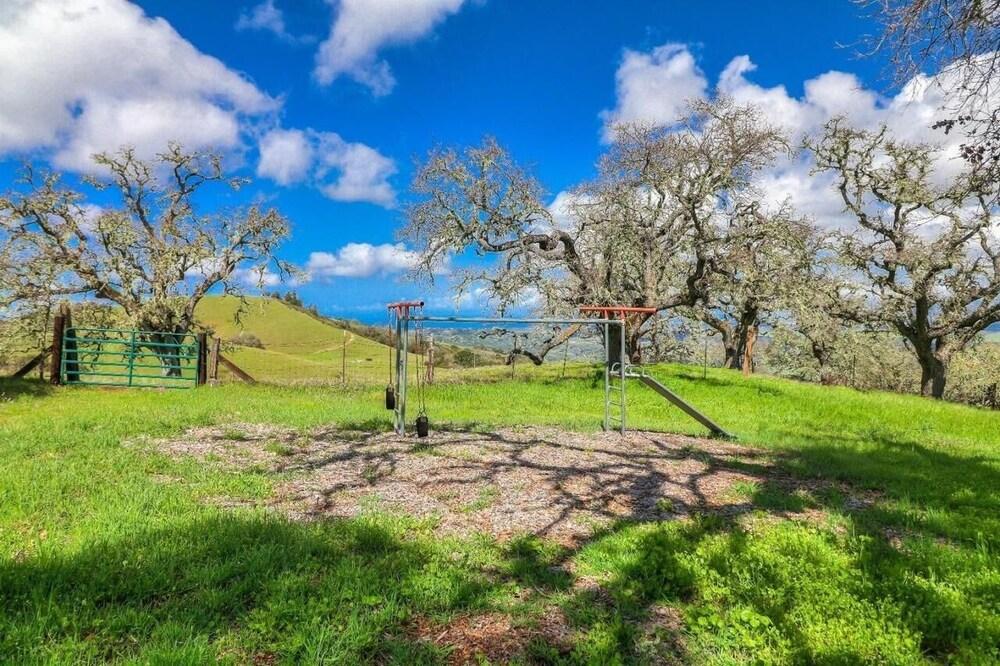 LX 57: Weathertop Rustic Ranch in Carmel With Luxury Amenities