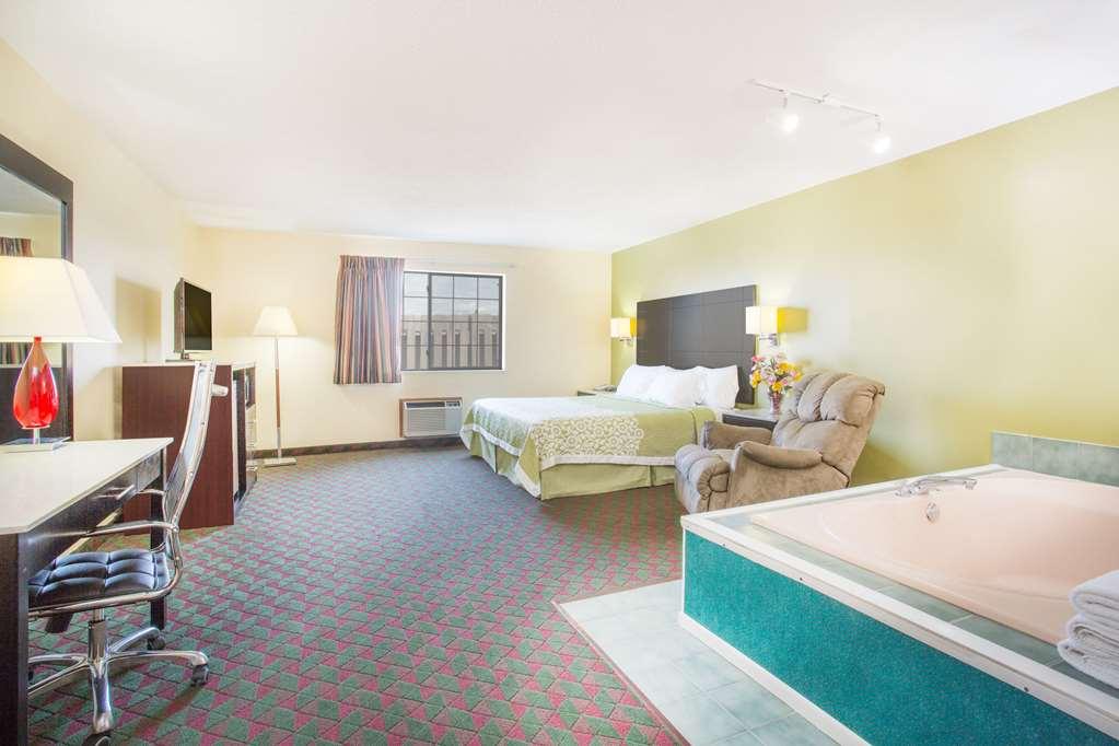 Gallery image of Days Inn by Wyndham Lexington NE