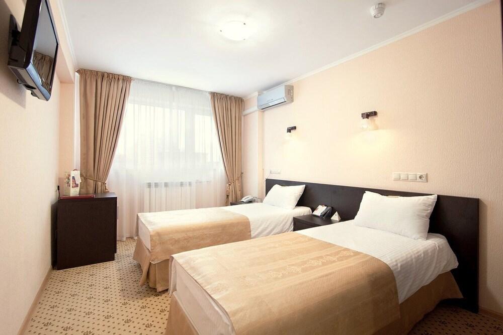 Gallery image of Amaks Congress Hotel