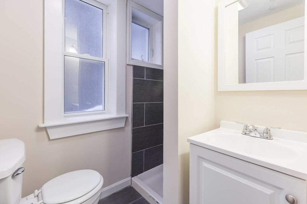 Quaint 3br 2ba Apt in North End by Domio