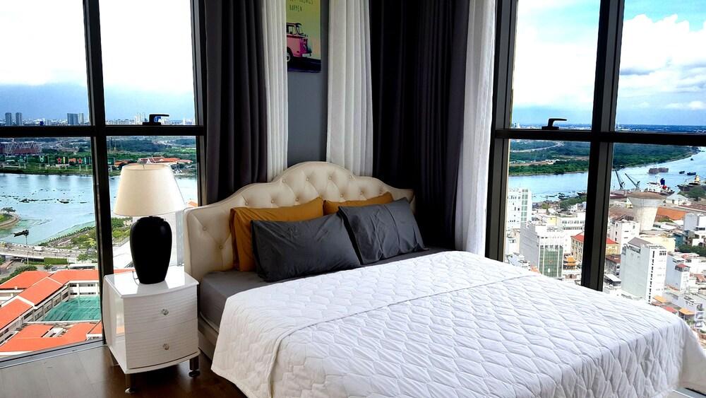 Christina's Saigon Icon 56 Apartment