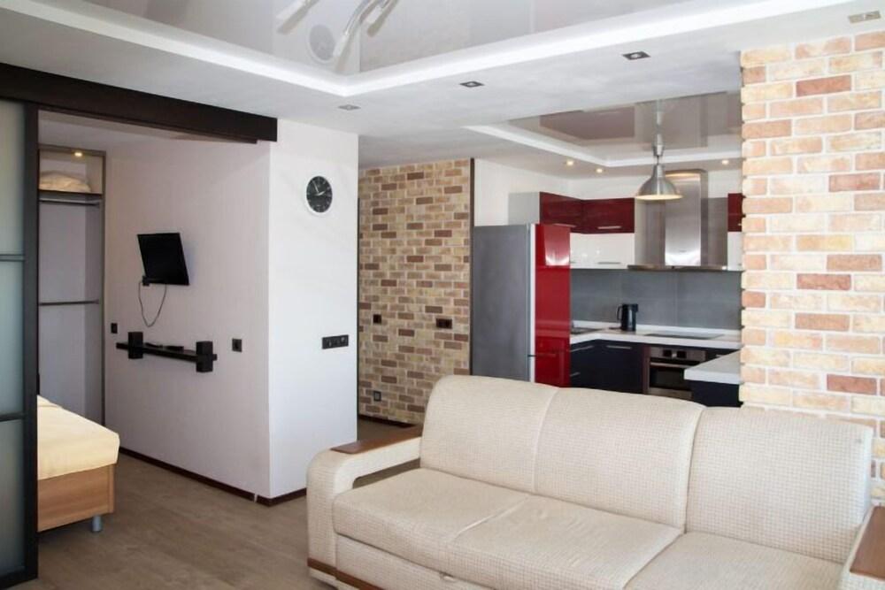 Apartment on Zhigura St. 26 162