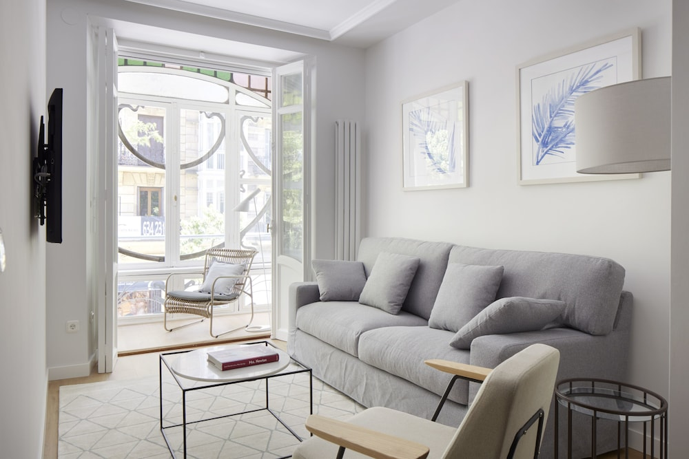 Urbieta 3 Apartment by FeelFree Rentals