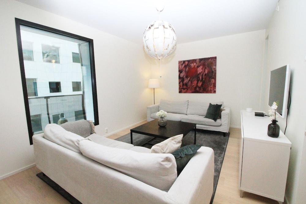 Nordic Host Luxury Apts Town Home