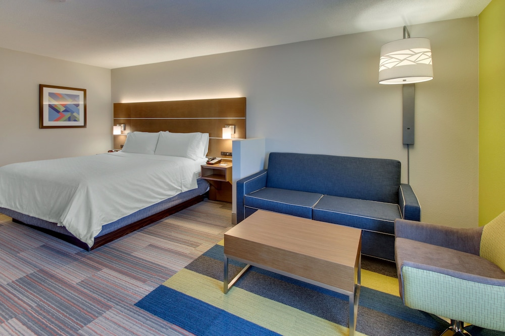 Holiday Inn Express Hotel & Suites Atlanta N Perimeter Mall