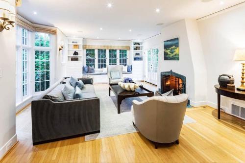 Exquisite Palo Alto Home