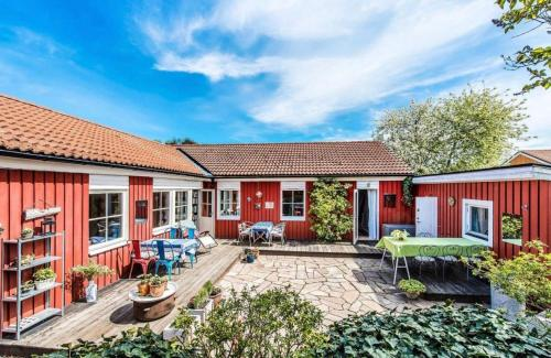 Beautiful Swedish home with sauna by awesome lake close to Stockholm city