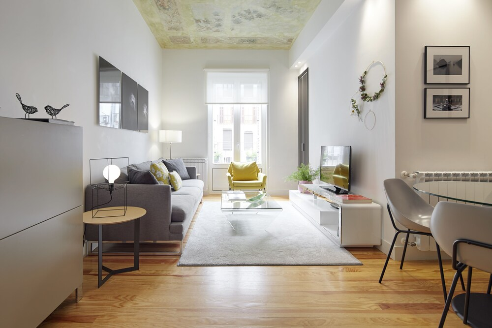 Urbieta 2 Apartment by FeelFree Rentals