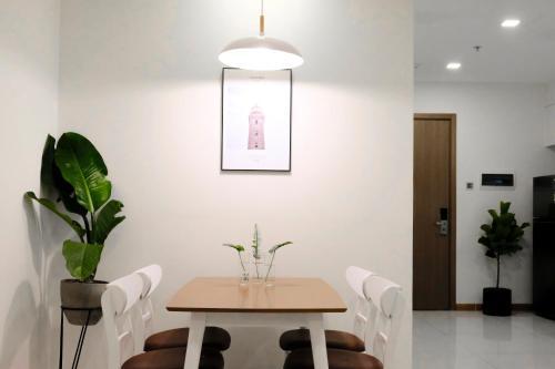 The Basic Apartment Vinhomes Central Park