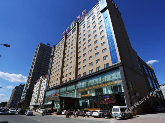 June Hotel