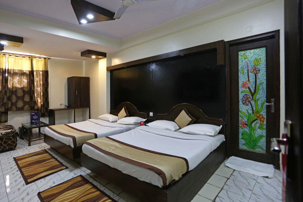 OYO 7634 Hotel Delhi Continental