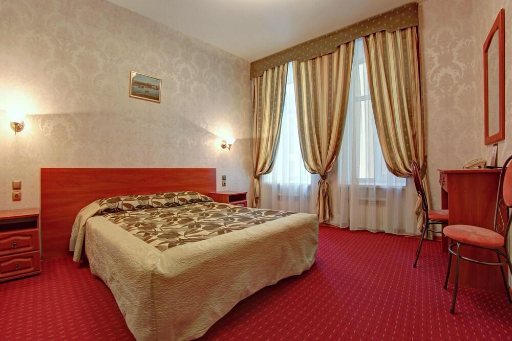 Popov Hotel