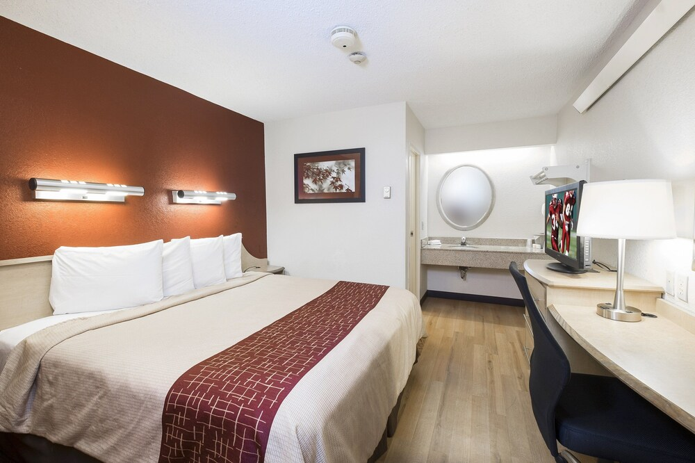 Gallery image of Red Roof Inn Enfield