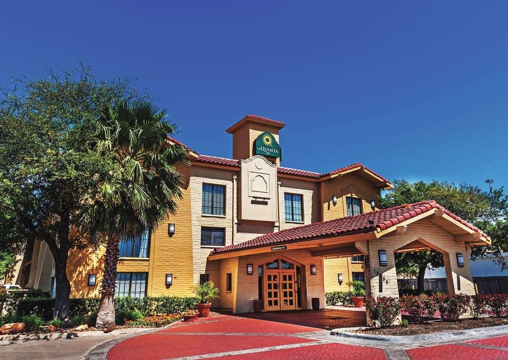 La Quinta Inn & Suites by Wyndham Houston Cy Fair