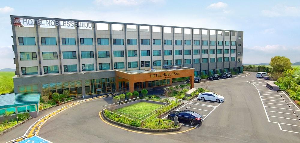Jeju Noblesse Tourist Hotel