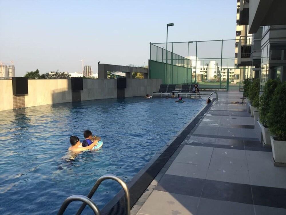 The Lake 3 Condominium