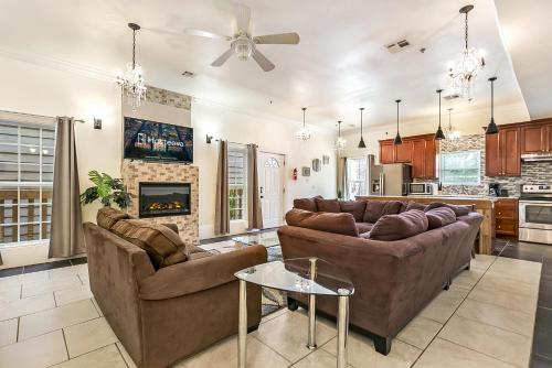 Spacious 4BR City Condo steps from St Charles Ave