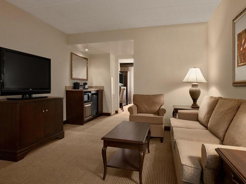 Embassy Suites Philadelphia Airport