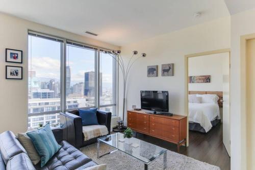 Vancouver Smithe 2BR Apartment