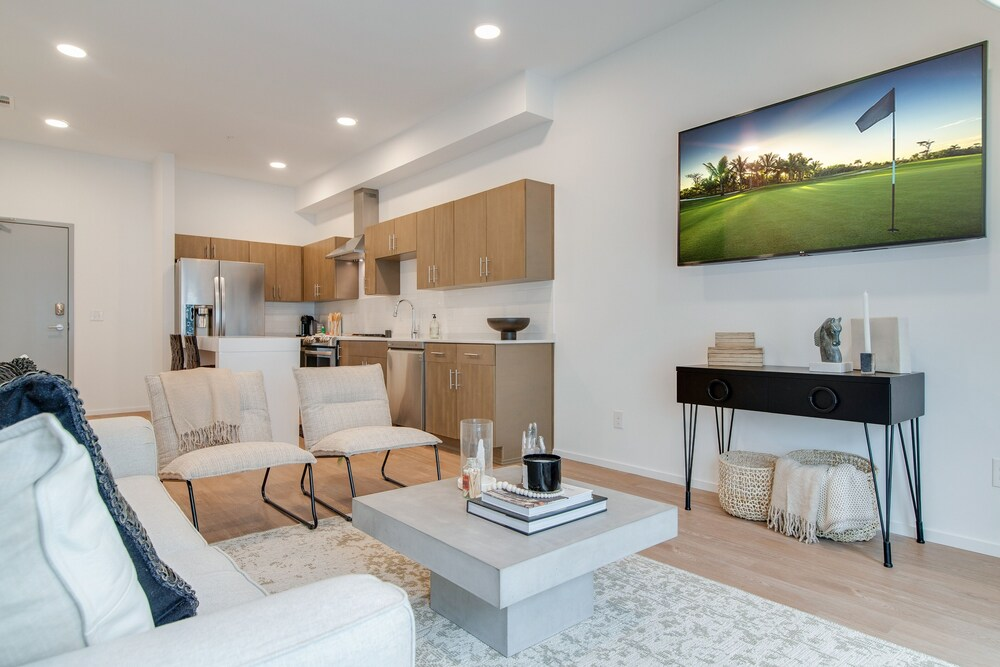 Illume State of the art Community Corner Unit 1 Bedroom Condo