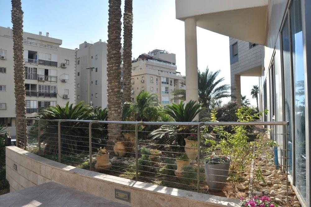 Isra Home Luxury Apartment with Sea View
