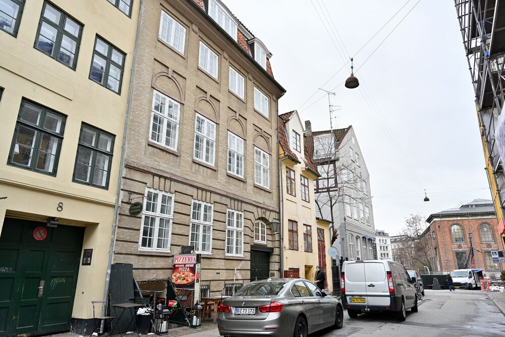 Fantastic Duplex Apartment in the Iconic Neighbourhood of Nyhavn