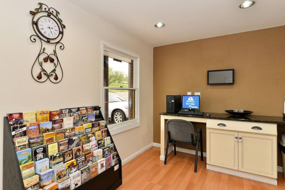 Gallery image of Americas Best Value Inn Nashville Downtown