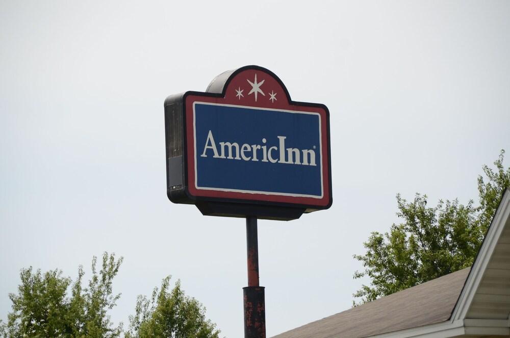 Gallery image of AmericInn by Wyndham West Burlington