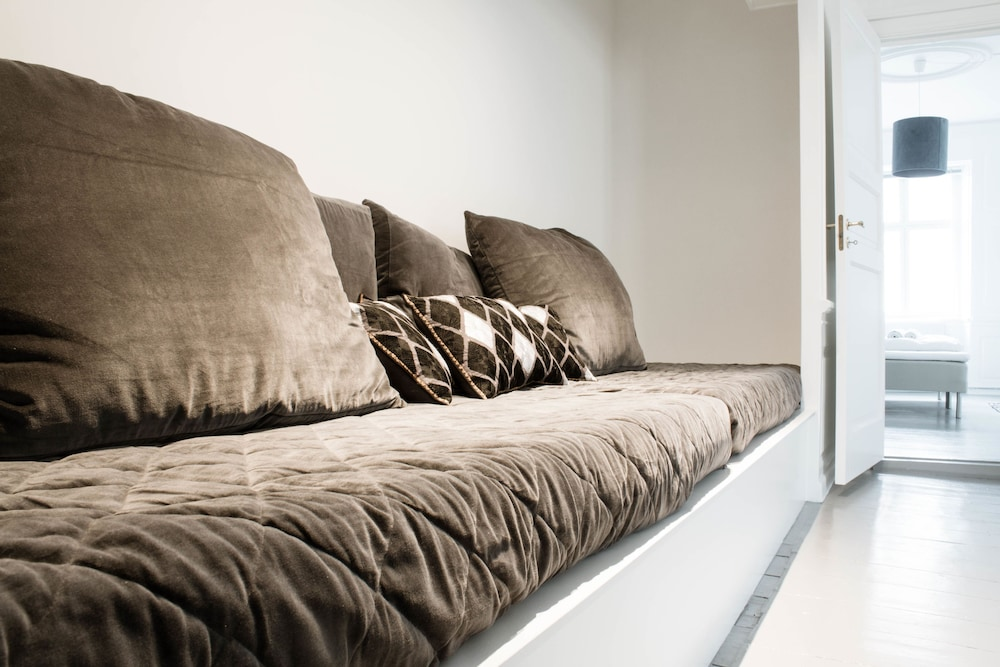 3 Bedroom Apartment in Latin Quarter