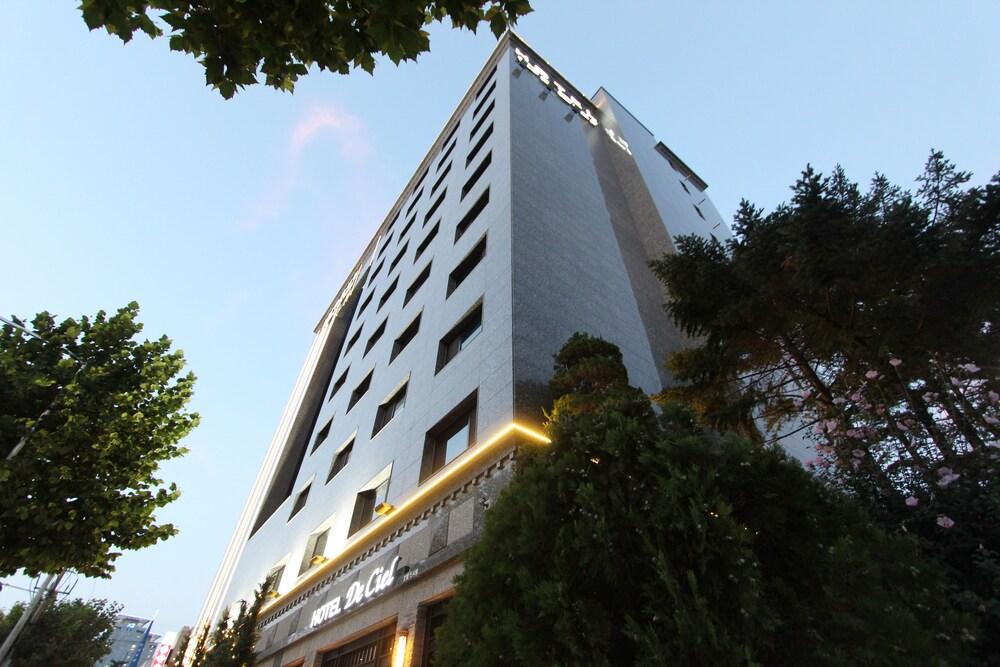 Hotel De Ciel