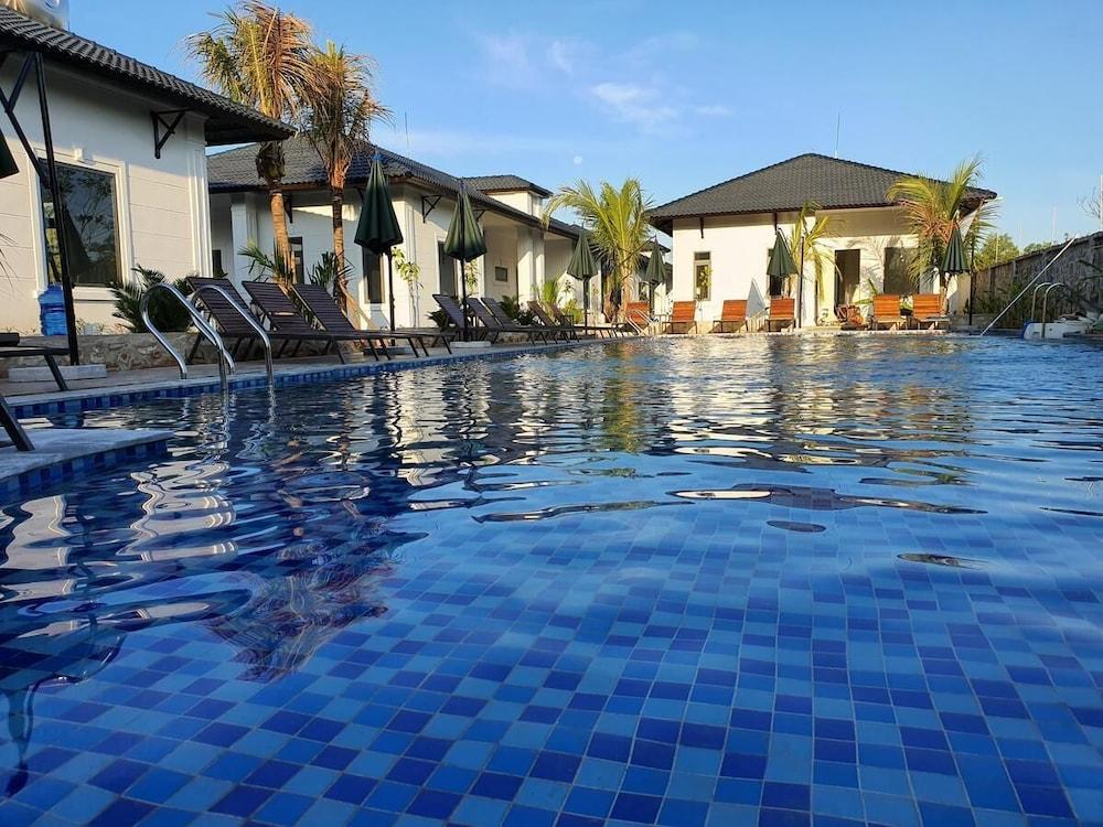 Coco Village Phu Quoc Resort & Spa
