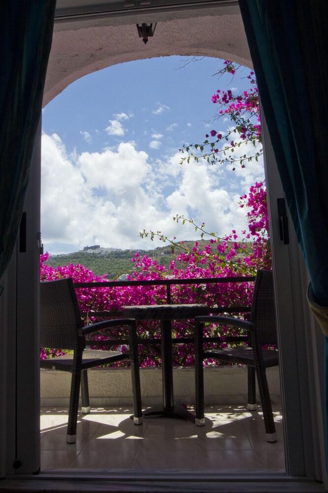 Gallery image of Skala Hotel