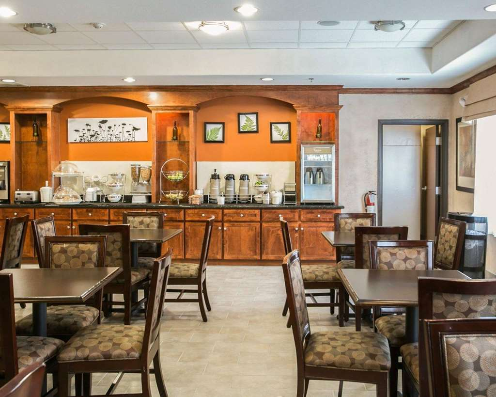 Gallery image of Sleep Inn & Suites Highway 290 Northwest Freeway