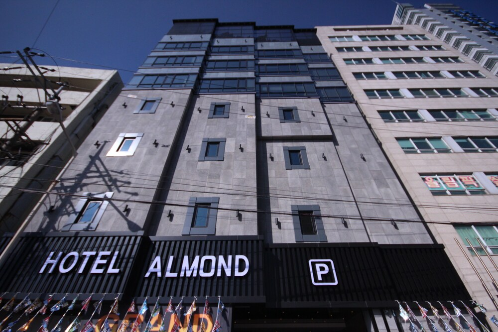 Almond Hotel Busan Station