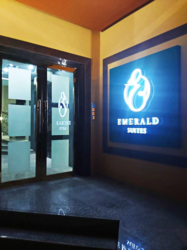 Emerald Suites