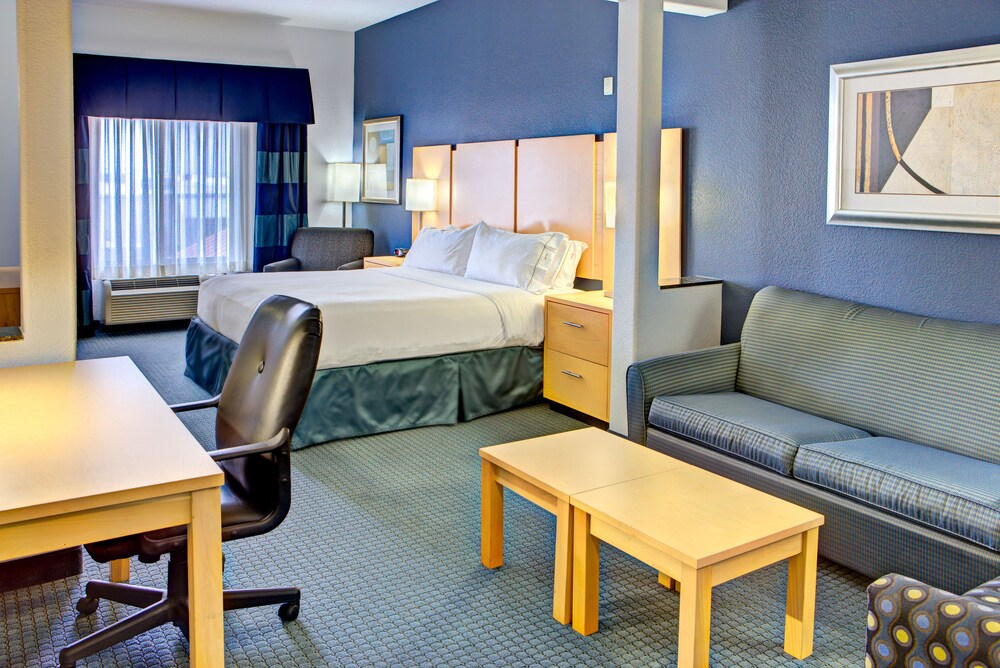 Gallery image of Holiday Inn Express & Suites Austin NE Hutto