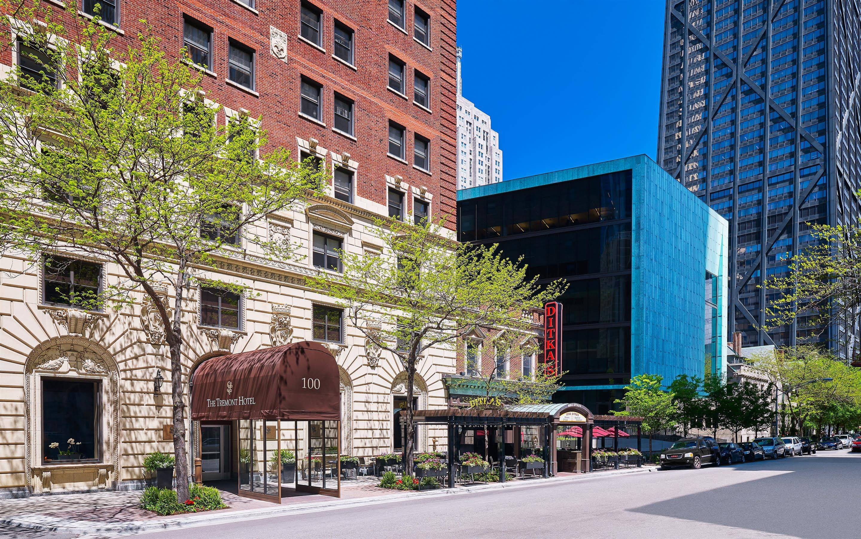 The Tremont Chicago Hotel at Magnificent Mile on