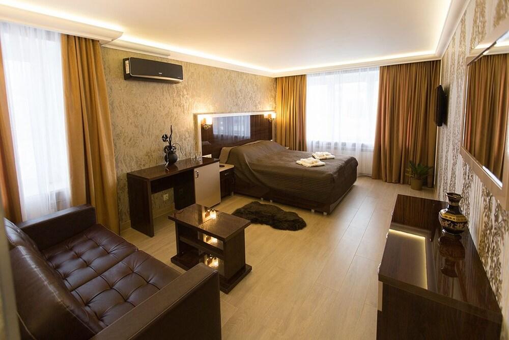 Hotel Era on Sedova