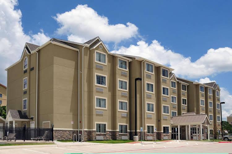 Hawthorn Suites by Wyndham Austin Airport