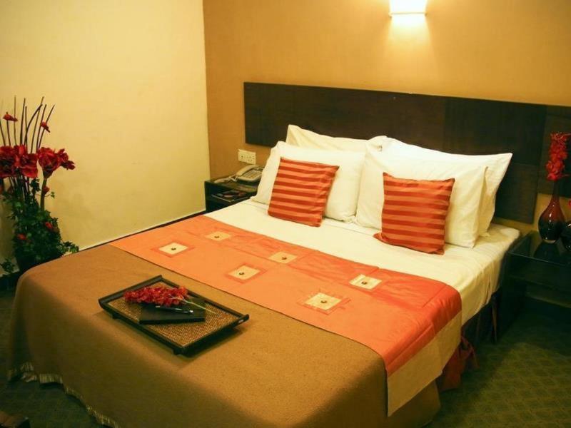 D Oriental Inn