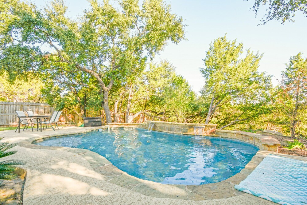 4BR 2 5BA Lake Travis Pool Hill Country Views Sleeps 14 by RedAwning