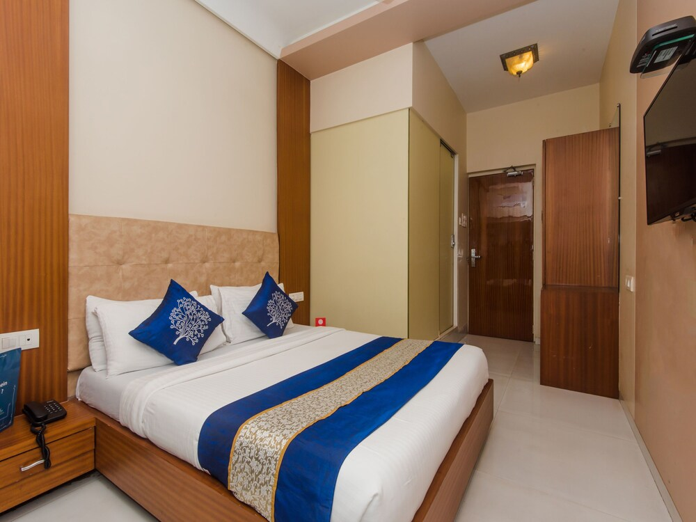 OYO 3663 Hotel Seven Hills