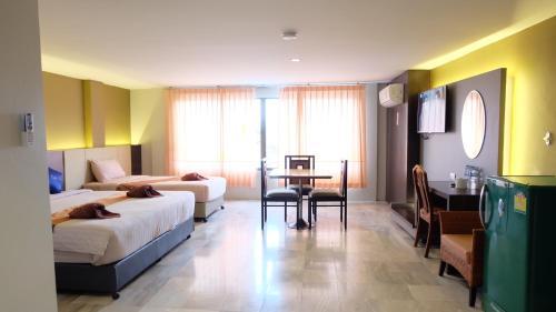 Silom Palace Hotel Hat Yai