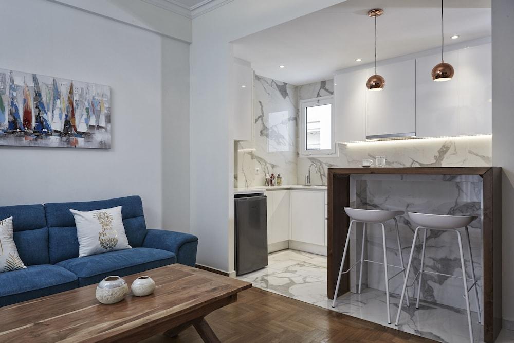 Cozy and Bright Apartment in Kolonaki