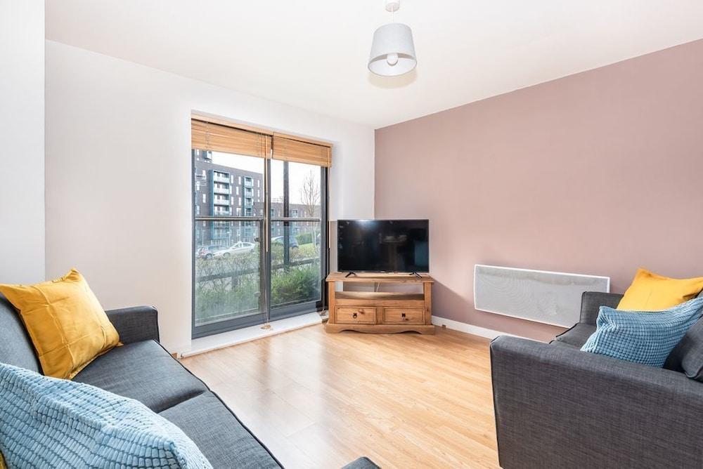 Bouverie Apartment
